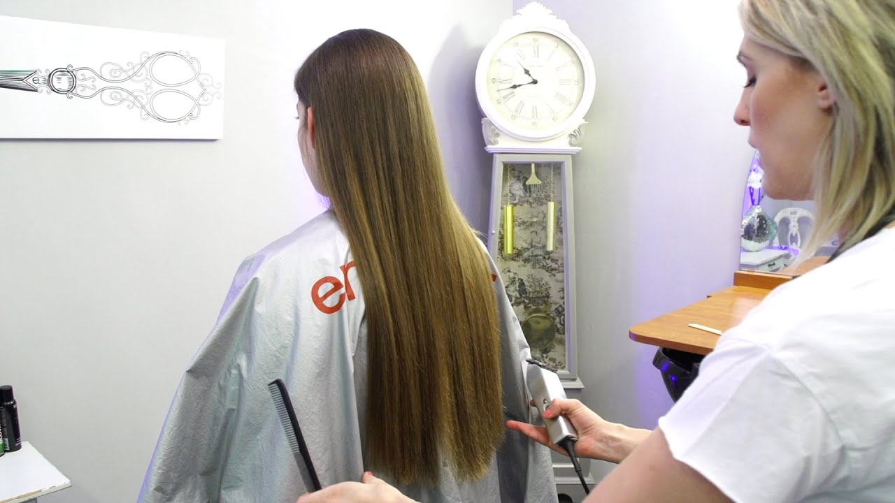 how to hold clippers when cutting hair